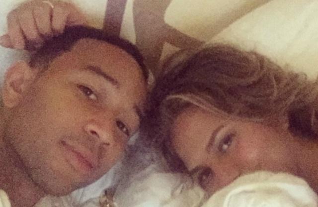 John Legend durmió con su Óscar la noche del domingo
