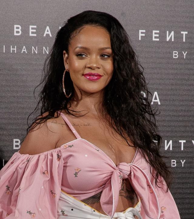 Rihanna pide un alto a la violencia