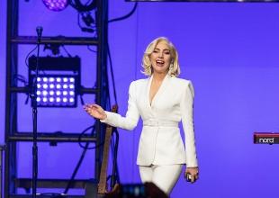 Lady Gaga cancela shows en Europa