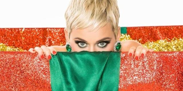 Katy Perry presenta canción navideña
