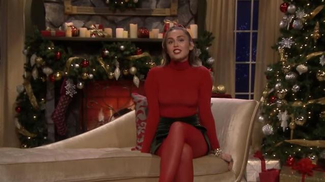 """Miley nos trae un nuevo """"Santa Baby"""""""