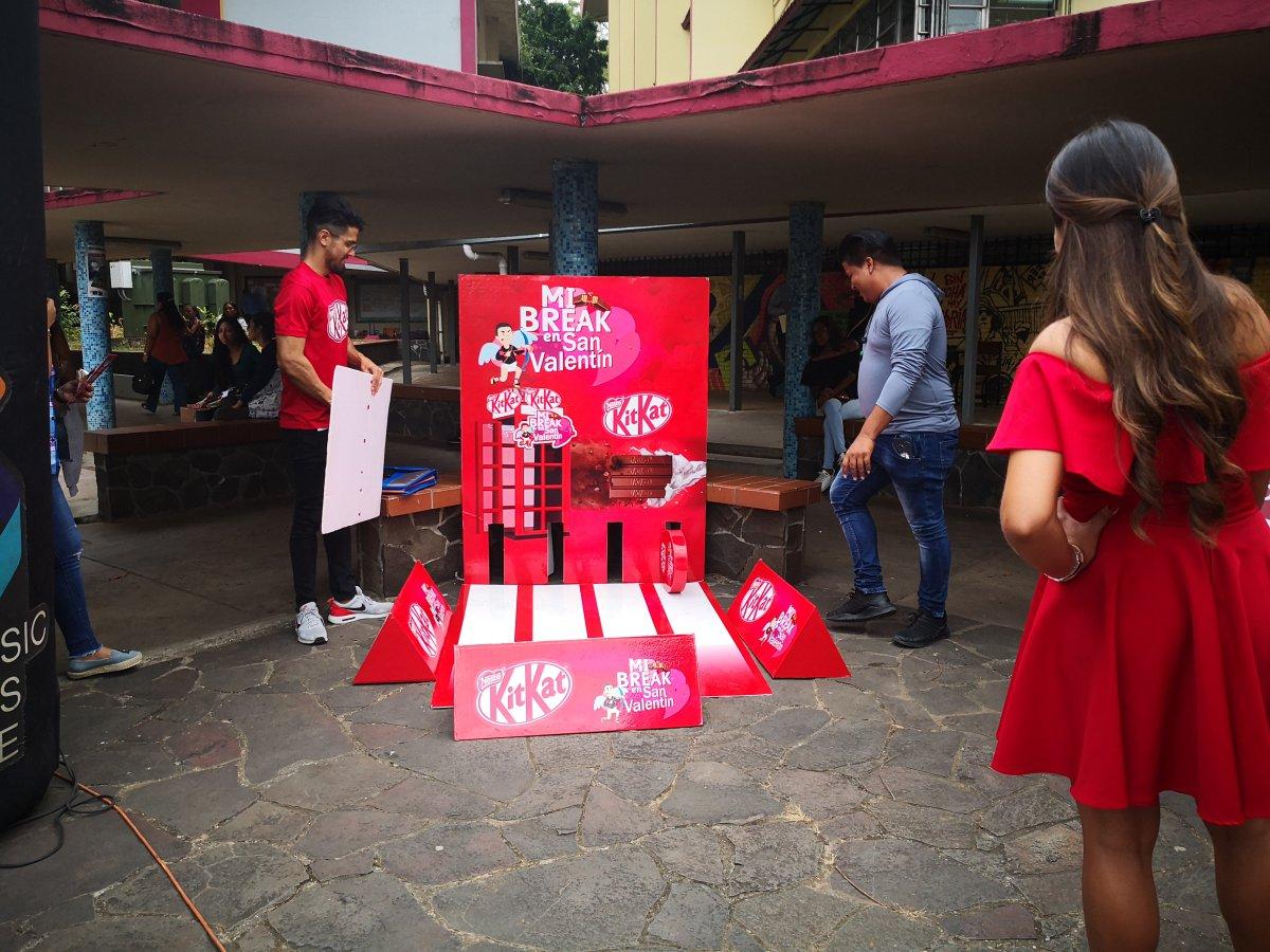 Tour Kit Kat