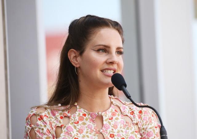 Lana del Rey nos trae adelanto de 'Fuck It I Love You' y 'The Greatest'