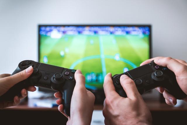 ¿Toque de queda para videojuegos?
