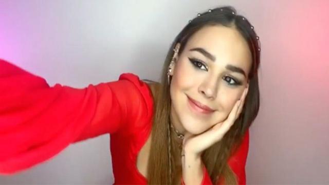 "Danna Paola estrena video de ""Contigo"""