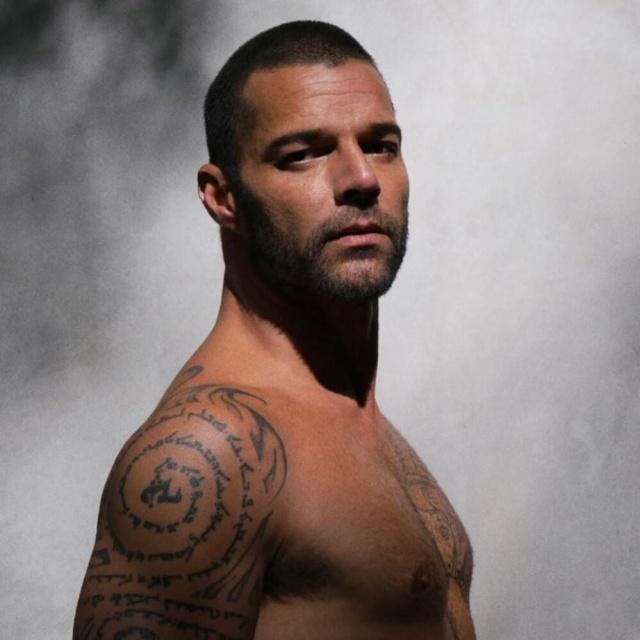 "Ricky Martin lanza ""PAUSA, The Headphone Edition"""